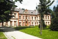 Jilemnice – v renesančním zámku z 16. století (dnešní podoba je z 19. století) hostí Krkonošské muzeum, foto: Archiv Vydavatelství MCU s.r.o.